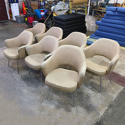 united airlines lounge chairs